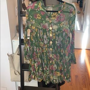 Free people green floral dress. Comes w slip.